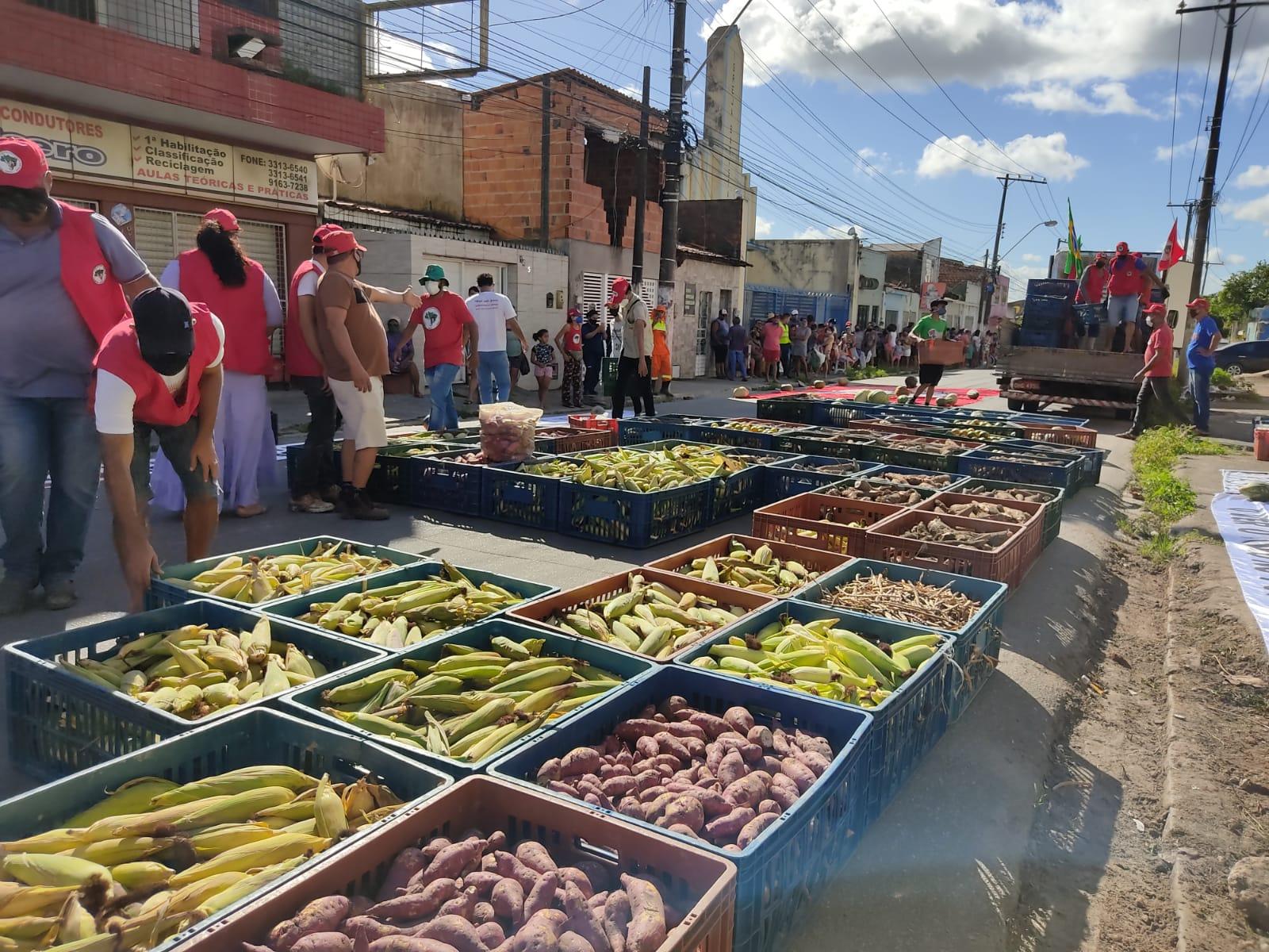 """""""É destas comunidades de resistência que o projeto de Reforma Agrária Popular do MST se faz"""""""