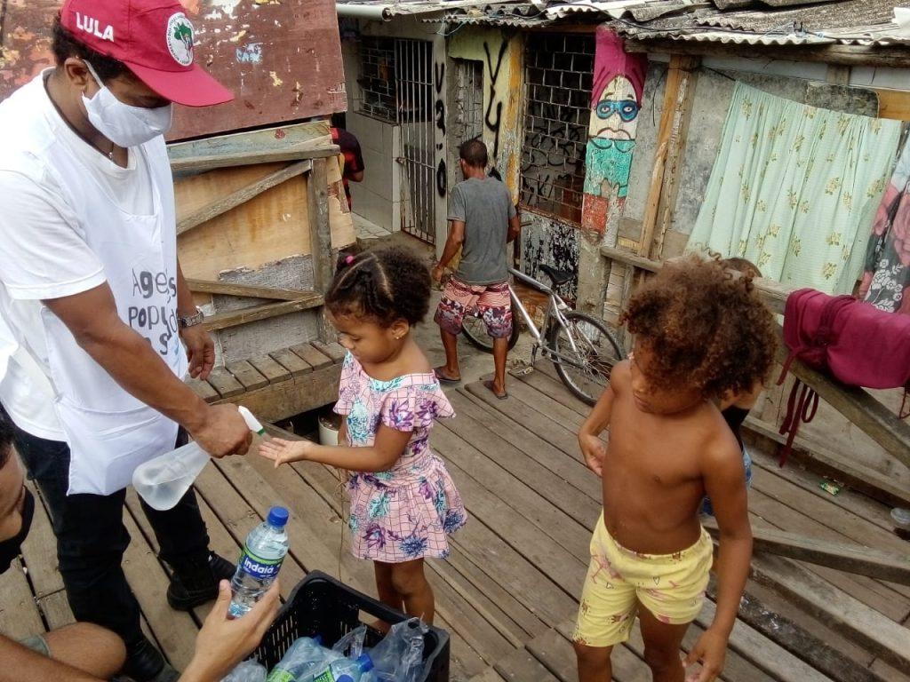 Agentes Populares de Saúde no combate comunitário ao Coronavírus pelo Brasil
