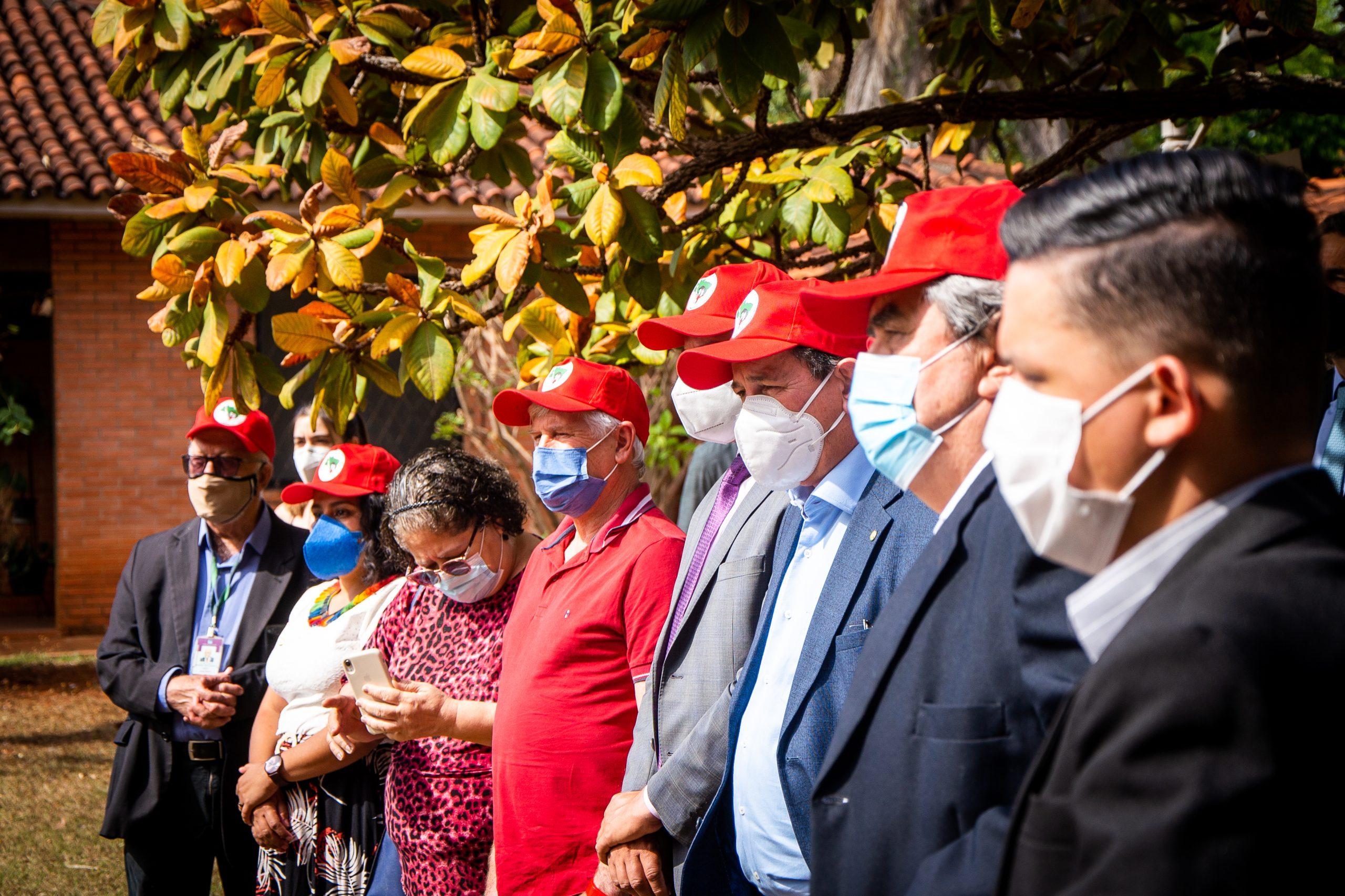 Em café com parlamentares, MST reforça luta contra Bolsonaro