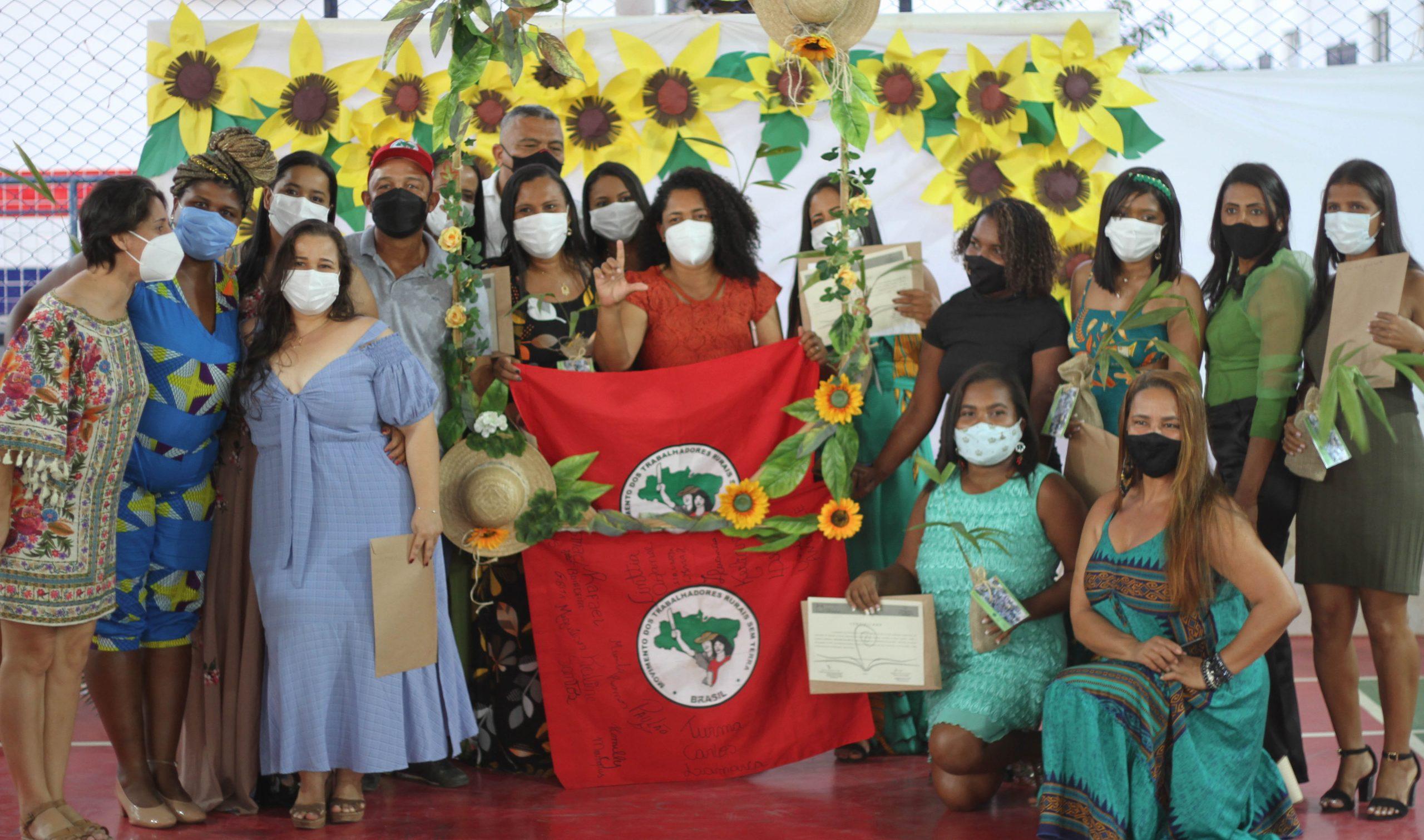 MST na Bahia entrega certificados de pós-graduação em Educação e Agroecologia