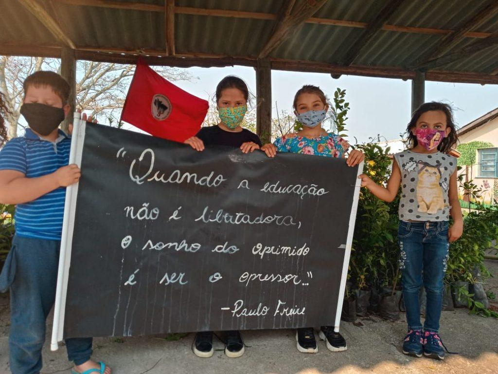 Escola de assentamento no RS cria projeto pedagógico de plantio de árvores