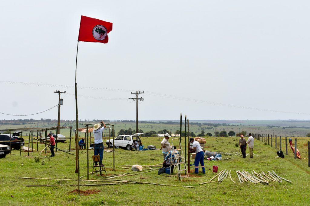 MST ocupa terra devoluta no Pontal do Paranapanema-SP
