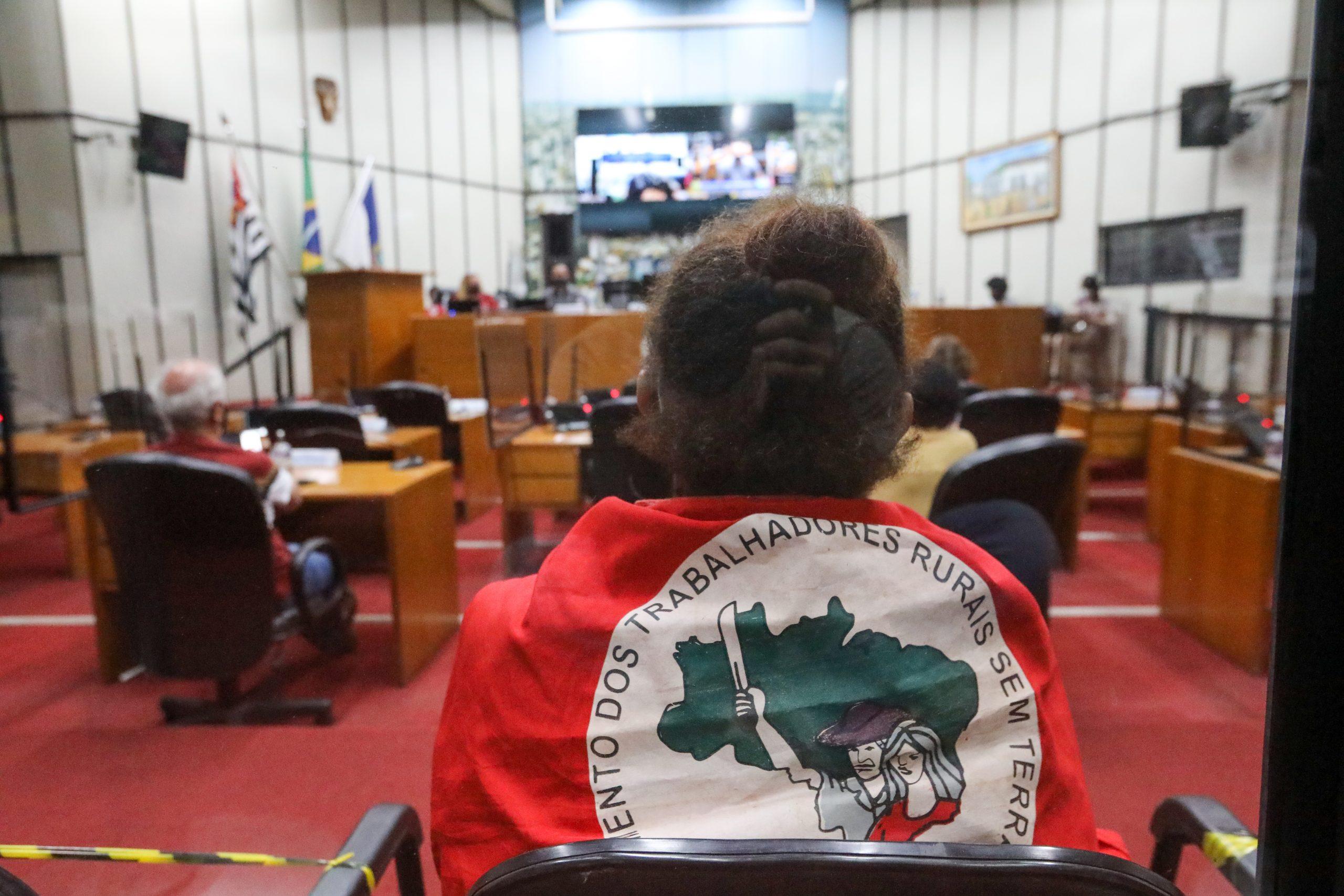 Assentados da Fazenda da Barra denunciam descaso dos governos com  assentamento